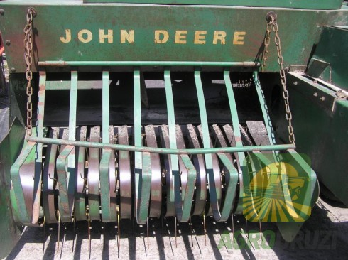 John Deere 219