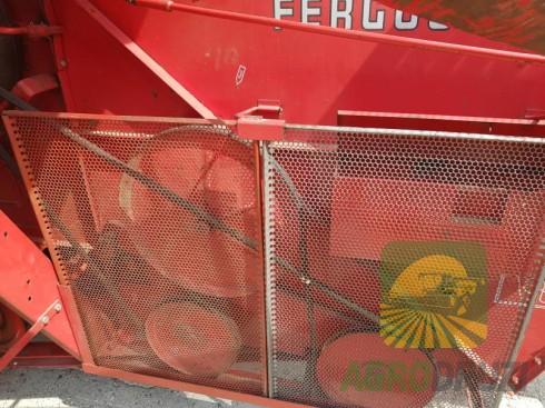 Massey Ferguson 31 комбайн зернозбиральний